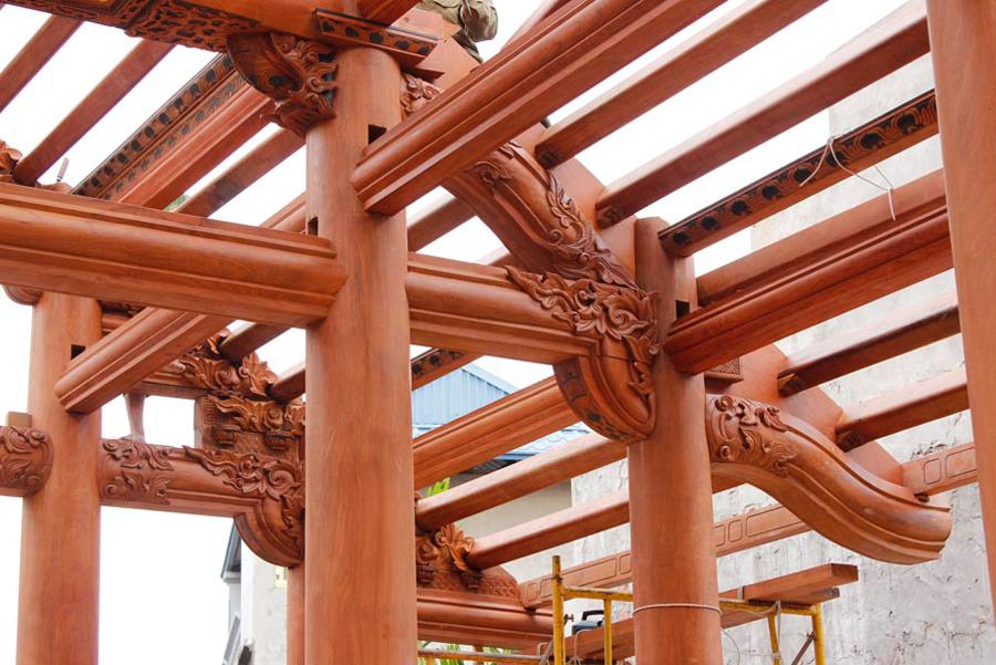 Gỗ lim làm khung nhà gỗ