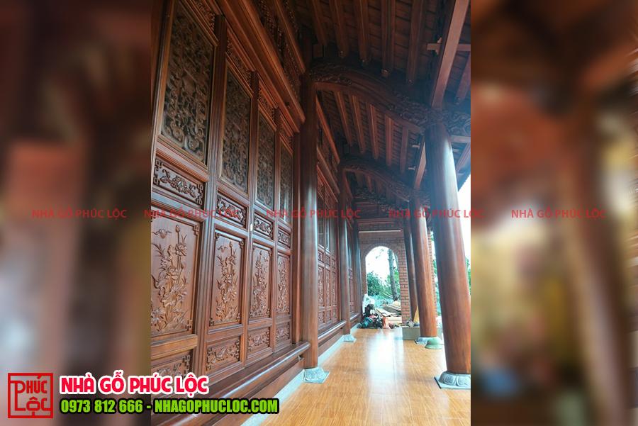 Phần hiên của nhà gỗ 3 gian 2 dĩ