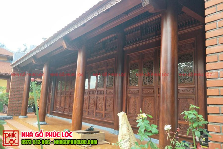 Tổng thể căn nhà gỗ 3 gian 2 dĩ cổ truyền