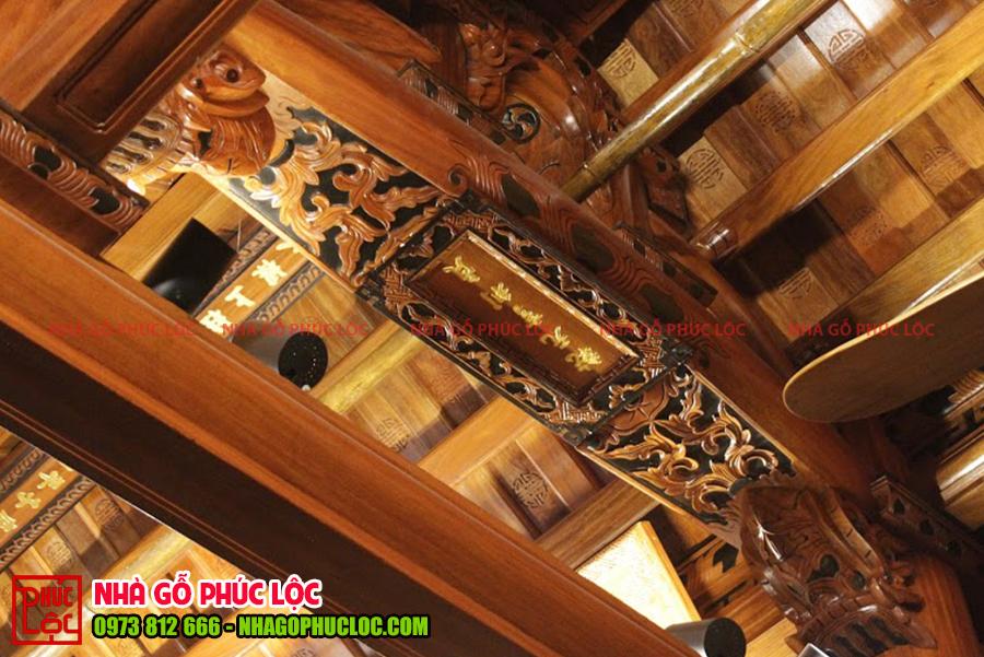 Câu đầu của nhà gỗ lim 3 gian cổ truyền