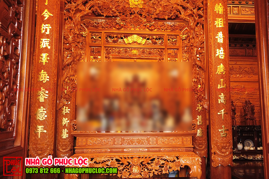 Không gian thờ cúng của ngôi nhà gỗ 3 gian truyền thống