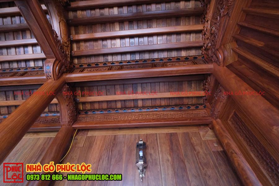 Một góc của nhà gỗ cổ truyền