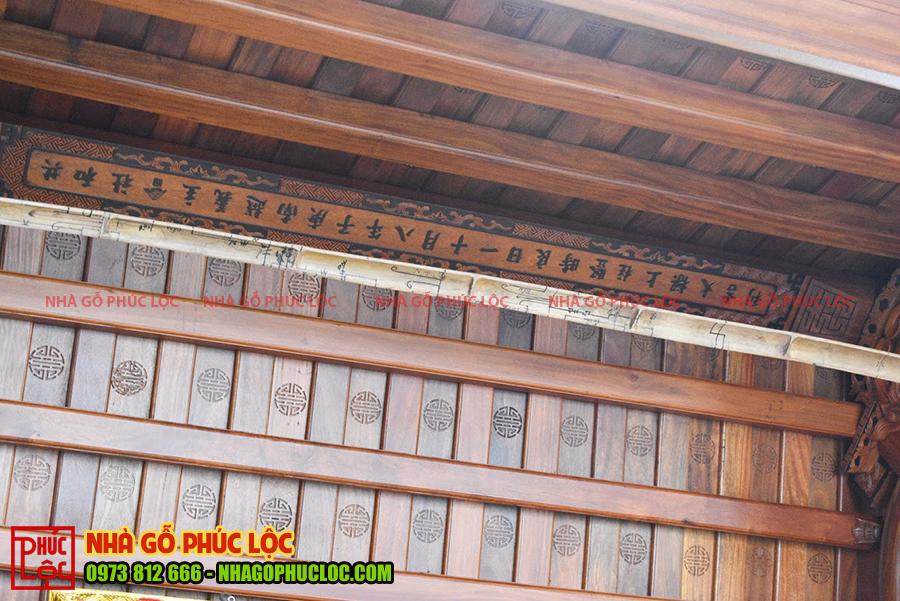 Thanh thượng lương trên nóc nhà gỗ cổ truyền