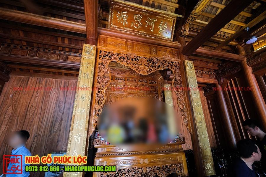 Gian thờ của nhà gỗ 5 gian 2 buồng