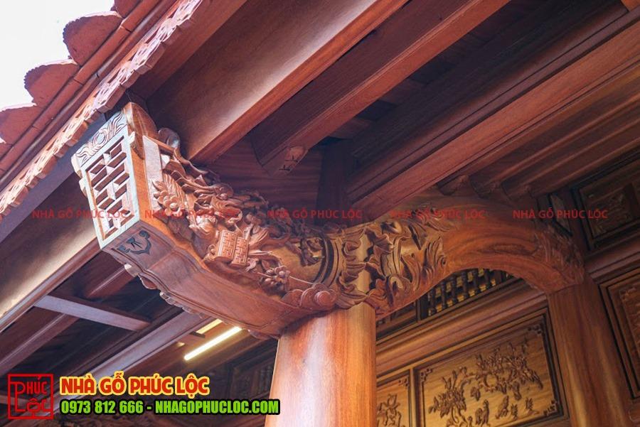 Kẻ hiên nhà gỗ cổ truyền